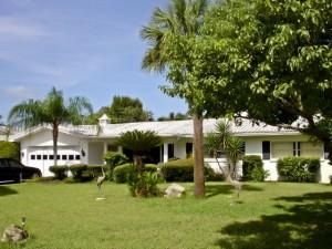 Largo Pool Home For Sale | 212 Orangewood Lane, Harbor Bluffs