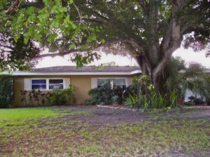 Largo Pool Home For Sale | 12667 138th St